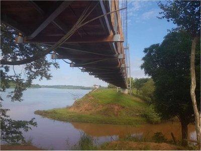 Puente colgante: Recuperan emblema de Capitán Meza