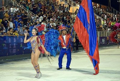Pettirossi, campeón del carnaval encarnaceno