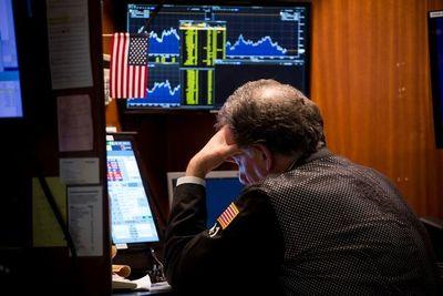 Wall Street se hunde y cierra 15 minutos por pánico al coronavirus y petróleo