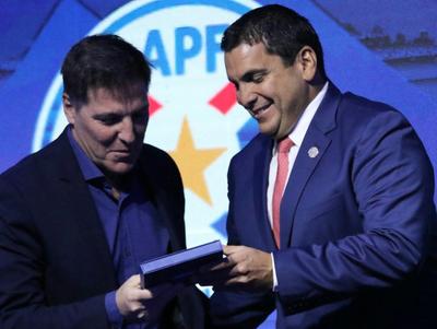 Robert Harrison habló sobre la actualidad del fútbol paraguayo
