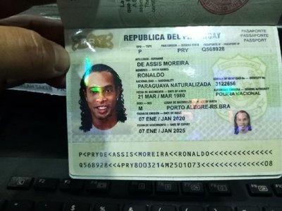 Detienen a tres personas más por caso Ronaldinho