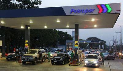 El consumidor nunca gana. A pesar de caída internacional, combustibles no bajarán en Paraguay