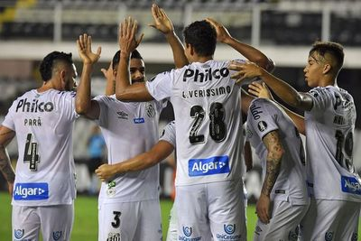 Santos gana y lidera el grupo de Olimpia