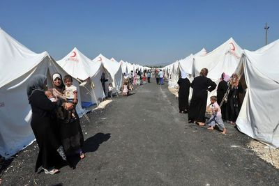 Turquía amenaza con permitir que Europa se inunde de solicitantes de asilo