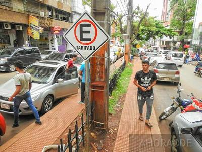 Intendente PRIETO concreta NEGOCIADO con estacionamiento controlado y DESPOJA al municipio de G. 1.000 millones por mes
