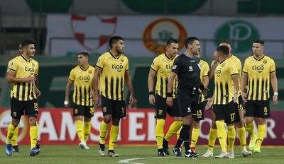 Costas contó su 'cruce' con Tobar y la charla sobre el error del árbitro