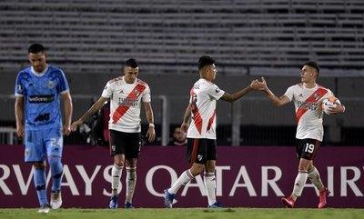 River 'basurea' en Copa, con Robert Rojas como pilar y anotando un gol
