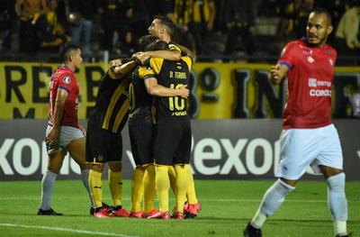 Peñarol vence a Wilsterman y suma su primer triunfo en la Copa