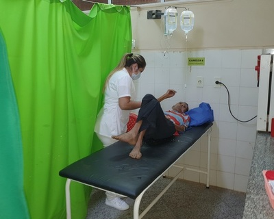 Anciano enfermo está internado en el Hospital Regional en espera de familiares