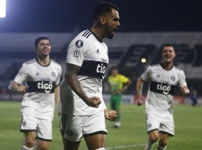 Olimpia gana y se acomoda en la Libertadores
