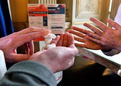 Cámara de Farmacias culpa a proveedores de los excesivos precios de tapabocas y alcohol en gel