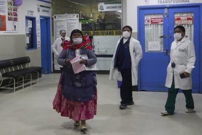 Más países latinoamericanos imponen restricciones por coronavirus