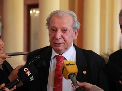 Prórroga de elección para nuevas autoridades de la ANR es 'factible', dice senador