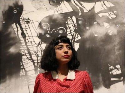 Mon Laferte estrena en México su faceta como pintora inspirada en las mujeres