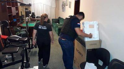Allanan viviendas en Carmelitas y Lambaré en busca de Dalia López