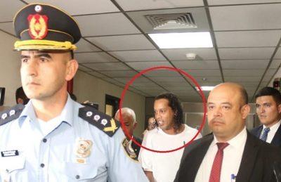 Tribunal confirma prisión para Ronaldinho