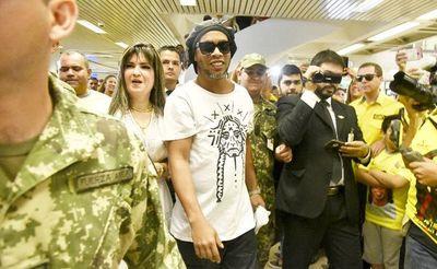 Ratifican prisión preventiva para Ronaldinho y su hermano