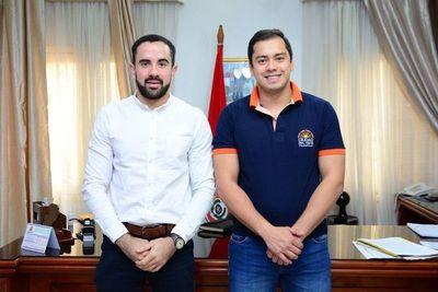 Intendente de CDE destituye a dos miembros de su Gabinete