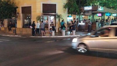 Policía interviene en comercio céntrico ante posible transgresión a cuarentena