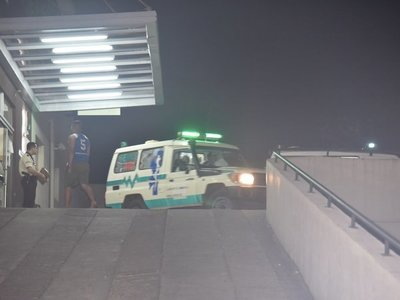 Motochorros balean a un joven durante intento de asalto en Villeta