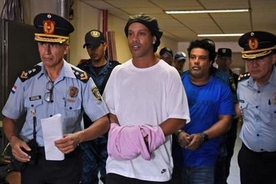 Ni la Cámara de Apelaciones deja salir a Ronaldinho