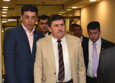 """PLRA: """"Si no existe un proyecto superador de antiguas disputas, vamos a continuar con las antiguas derrotas"""", dice senador Víctor Ríos"""
