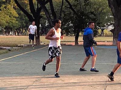 Ronaldinho exhibe su talento dentro de la Agrupación Especializada