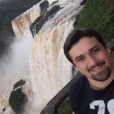 Bombero falleció intentando sofocar un incendio forestal en Pilar