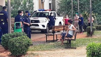 Covid-19: La Policía trata de evitar aglomeración de personas •