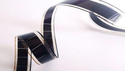 Salas de cine reprograman estrenos y preparan medidas de precaución al reanudar actividades