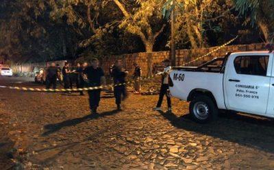 Un motoasaltante cae abatido y otro malherido en Presidente Franco