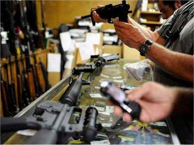 Aumenta la venta de armas en EEUU por el temor a los efectos del coronavirus