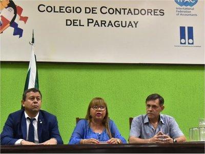 Contadores piden exoneración  de multas y postergación de registro