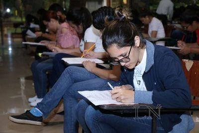 Más de 4.000 jóvenes habilitados rendirán para acceder a becas