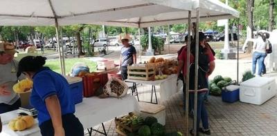 HOY / #QuedateEnCasa: productores hacen delivery de frutas y verduras frescas