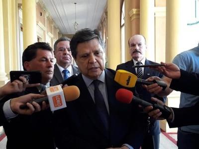 'El ministro Villamayor es un persona seria, responsable, no creo que haya violado protocolo alguno'