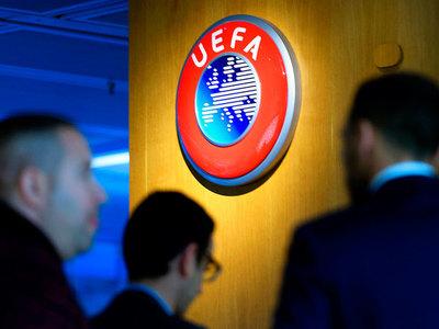 UEFA pospone la final de la Champions y de la Europa League
