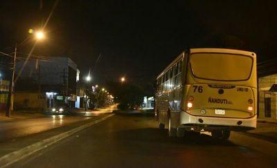 Viceministro reconoce inconvenientes con buses nocturnos y promete de nuevo disponibilidad del servicio