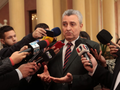 'Hubiese sido bueno que Villamayor dé el ejemplo como el ministro de Hacienda'- Sen. Antonio Barrios