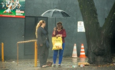 Emiten alerta de lluvias para siete departamentos