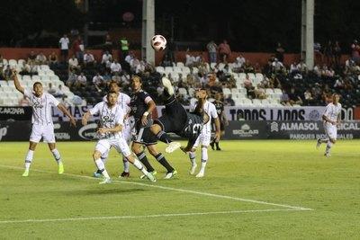 ¿Cuándo volvería el fútbol en Paraguay?
