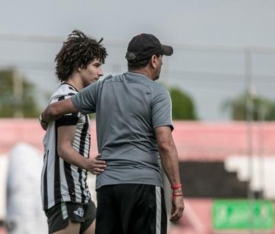 Iván Franco quiere ganar más títulos con Libertad