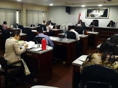Cambios en jefaturas y direcciones generan malestar en Comuna de CDE