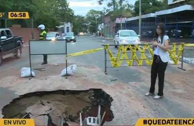 'Cráter' en el microcentro de Asunción