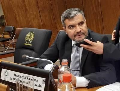 Diputado liberal aplaude a Mazzoleni y critica a Villamayor y Acevedo