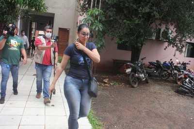 Policías con orden de captura por robo de USD 100 mil a orientales