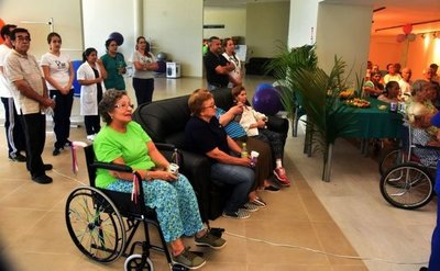 Más del 90% de adultos mayores fueron evacuados del geriátrico del IPS