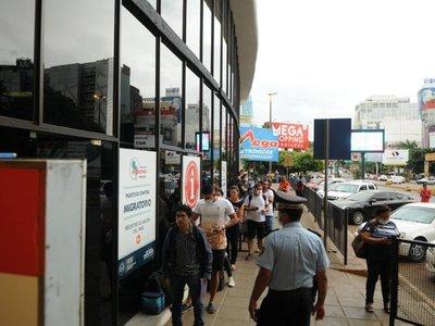 Estudiantes brasileños radicados en Paraguay podrán salir del país