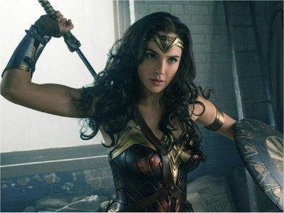 Wonder Woman 1984 se plantea saltarse los cines y estrenarse en streaming