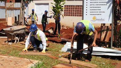 Con turnos de 24 horas avanzan con la construcción de pabellón de aislamiento